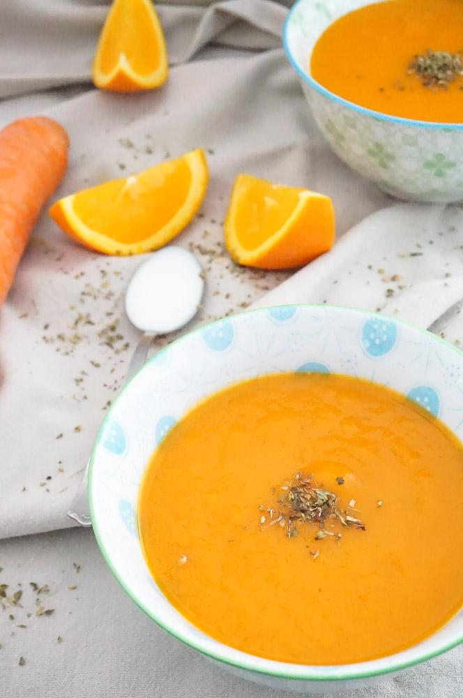 wortel paprikasoep, makkelijk soep recept voor paprikasoep met wortel en cayennepeper