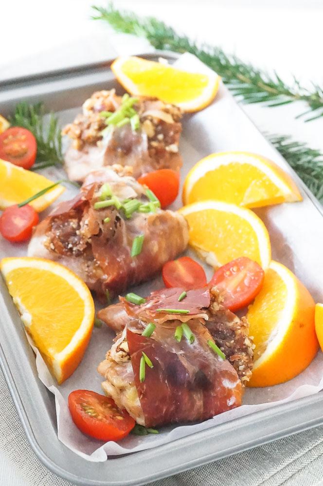 Kip in Parmaham, kipfilet in parmaham, kipfilet in ham met dadels en noten, feestelijk recept