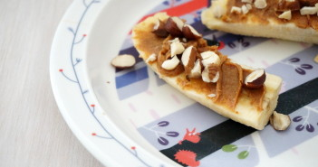 bananenbootjes met notenpasta