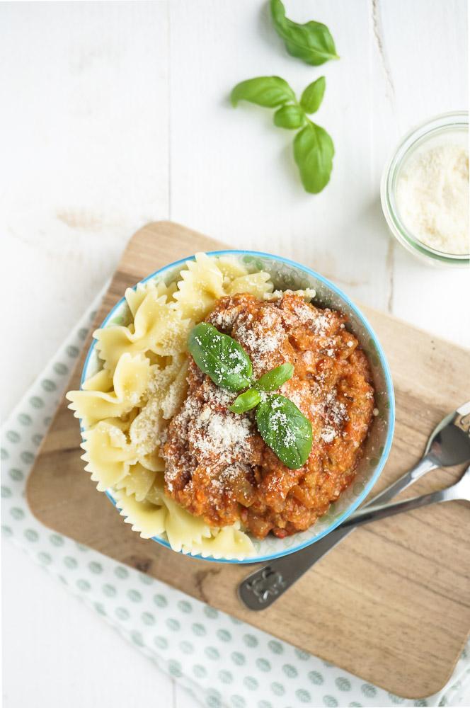 Pastasaus met veel groenten, recept gezonde pastasaus, pastasaus verborgen groenten