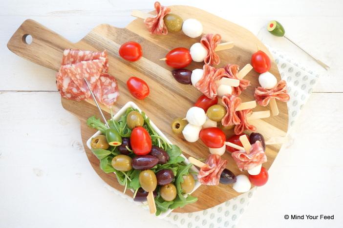 antipasti prikkers, Italiaans borrelhapje, feestelijk borrelhapje, hapjes voor Kerst, borrelplank