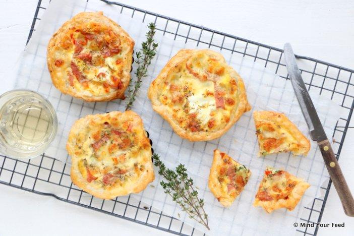 mini pizza quiche, mini saucijzenbroodjes, borrelhapjes, borrelhapjes oud en nieuw, hapjes oud en nieuw, bladerdeeghapjes