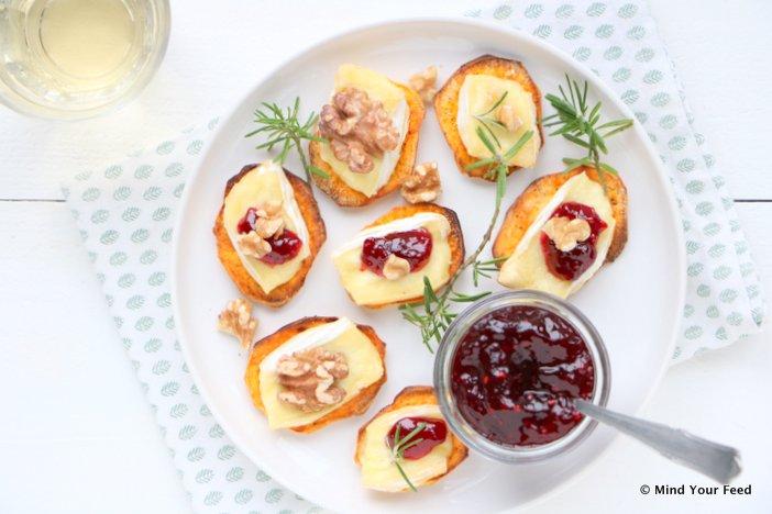 zoete aardappel toastjes, mini saucijzenbroodjes, borrelhapjes, borrelhapjes oud en nieuw, hapjes oud en nieuw, bladerdeeghapjes