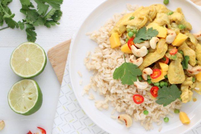gele kokos curry met kip