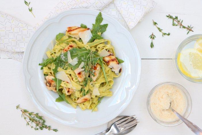 pasta pesto met gegrilde kip. Kip recepten met pasta