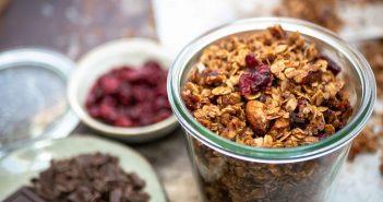 granola met gedroogde cranberries