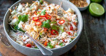 Oosterse rijstsalade