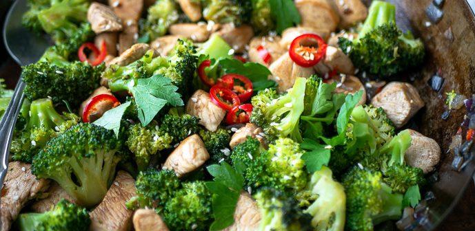 roerbak kip broccoli, makkelijk recept voor roerbak kip met broccoli, roerbak kip koolhydraatarm, roerbakgerechten