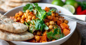zoete aardappel curry, vegetarische curry met zoete aardappel en kikkererwten, recept