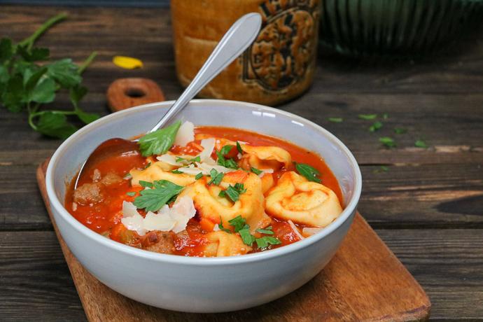 tortellini soep, makkelijke maaltijd, recepten makkelijke maaltijd, weekmenu, weekmenu gezonde maaltijd, weekmenu maken, weekmenu makkelijke maaltijden, weekmenu plannen, weekmenu recepten, gezonde recepten, makkelijke recepten, makkelijke maaltijd recepten, snelle recepten, wat eten we vandaag