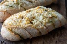borrelbrood met kaas en pesto