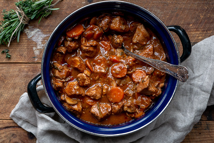 kalkoenstoofpotje, stoofvlees kalkoen, kalkoen stoofvlees, kalkoenvlees stoven, kerst, hoofdgerecht, hoofdgerecht met kalkoen