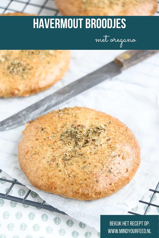 Havermoutbroodjes. Zachte broodjes van havermout en amandelmeel, met eieren en yoghurt. Heerlijk luchtig lunch broodje, glutenvrij