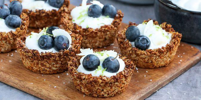 havermout cups met kokosyoghurt, makkelijk recept voor havermout ontbijt taartjes