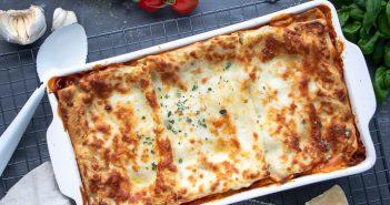 Lasagne Bolognese met bechamelsaus, traditionele Italiaanse lasagne