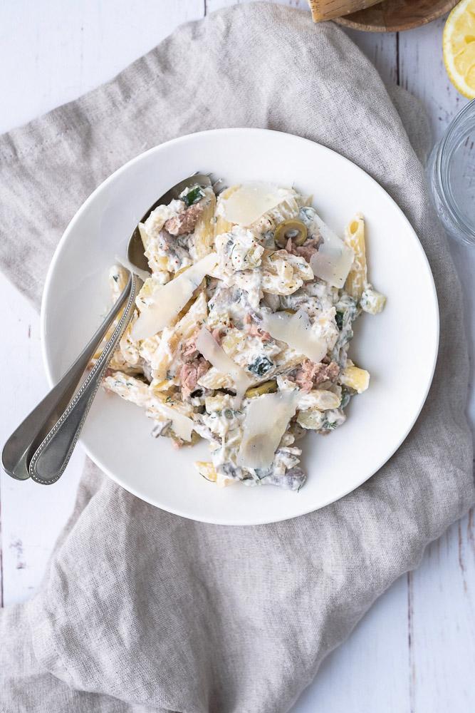 pasta met tonijn en courgette met roomsaus