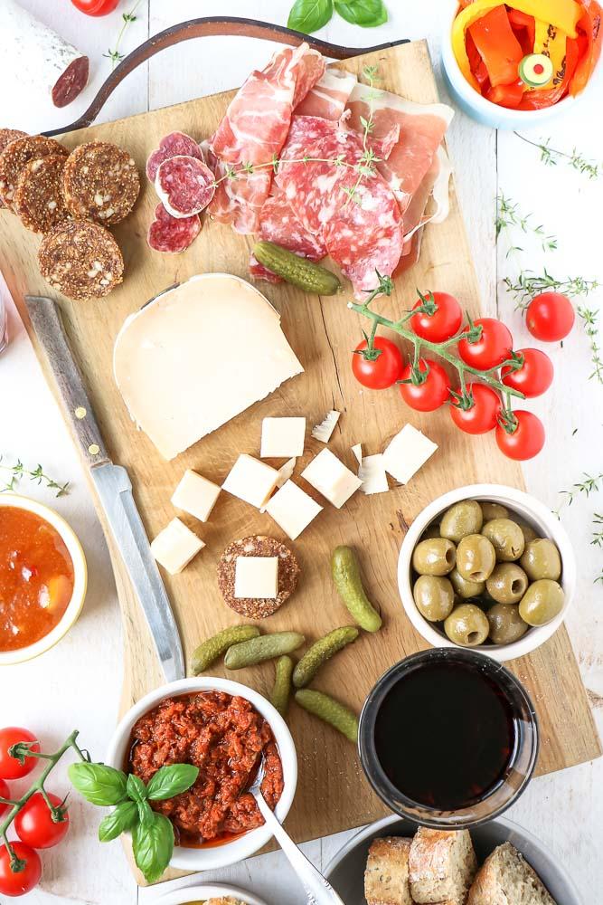 Italiaanse hapjes, borrelhapjes, Italiaanse borrelplank, antipasti, aperitivo hapjes